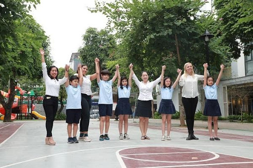chương trình tiểu học nâng cao tại The Dewey Schools